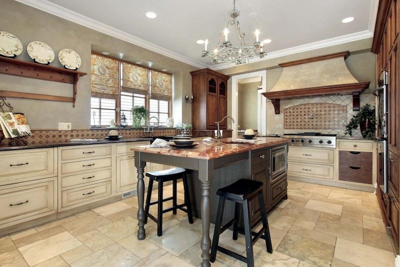 5 Cozy Country Kitchen Ideas - Venetian Plaster -